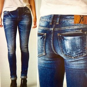 Remix by Rock Revival Skinny Jeans size 25